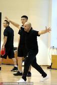 高清:北京首钢公开训练课 新帅雅尼斯激情指挥