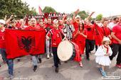 24强球迷唱什么? 英格兰不要回家德国世界第一