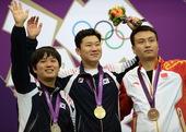 北京时间8月5日,2012伦敦奥运会射击比赛在皇家炮团军营结束男子50米手枪决赛争夺。中国选手王智伟...