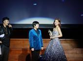 搜狐娱乐讯 伦敦时间12月6日晚,邓家佳婚后首度亮相2014第二届伦敦国际华语电影节,并再次凭借电影...
