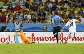 进球回放:乌雷尼亚小角度破门 再入一球锁胜局