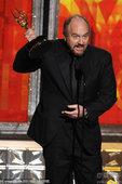 图文:路易斯-CK凭借《Louie》获得喜剧类最佳剧本。