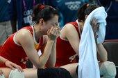 北京时间8月7日消息,今天2012伦敦奥运会女排1/4决赛展开第一场比赛的争夺,中国队苦战五局2-3...