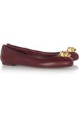 高跟有高跟的美艳,平底自有平底的优雅。精选15款来自经典芭蕾舞鞋风格的平底鞋,每一双都有自己的特点,...