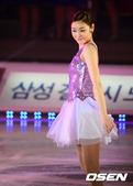 高清:金妍儿公主装表演 清纯可爱更得粉丝青睐