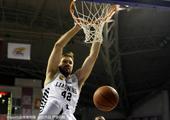北京时间1月20日,辽宁男篮主场迎战同曦男篮,凭借强大的实力优势,轻松战胜了同曦队。
