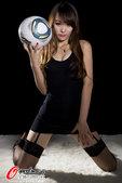 北京时间2012年7月26日,伦敦男足比赛今晚开始,ZERO足球宝贝言言为此拍摄黑丝写真,性感诱惑。