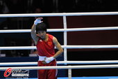 高清图:女子拳击51公斤级 任灿灿微笑轻松晋级