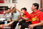 高清图:张继科乒乓男单夺冠 家中父母开心击掌