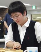 日本女棋手出道被嘲像男生 9年后变身美女(图)