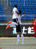 高清:亚泰0-1华夏 热鸟射门被挡罗森文破门庆祝