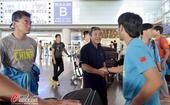 高清:国奥抵达北京就地解散 足协高层亲自迎接