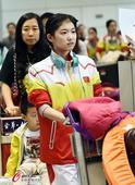 高清图:艺术体操队结束亚运抵京 队员深色轻松