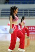 组图:篮球宝贝精彩表演 火辣街舞引爆全场激情
