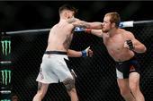 高清:UFC189精彩集锦 康纳问鼎羽量级临时冠军