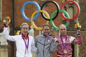 高清:女公路个人计时赛 克里斯汀激动获得金牌