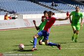 高清:北控0-1新疆 尼古拉奋力防守双方拼抢激烈