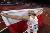 高清图:马耶夫斯基铅球夺冠 波兰壮汉激情怒吼