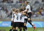 北京时间8月17日凌晨3点,2016年里约奥运会女足比赛进行了一场半决赛,加拿大女足迎战德国女足。上...
