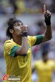 高清图:男足巴西晋级半决赛 内马尔进球后庆祝