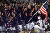 高清图:菲尔普斯担当旗手 领衔美国代表团入场