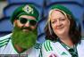 高清图:北爱尔兰萌娃抢镜 绿胡子硬汉挥拳打气