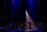 张杰温哥华开唱 与海外歌迷合唱《我的中国心》