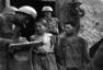 """""""黑""""与""""红"""":朝鲜战争中的战俘与屠杀"""
