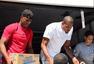组图:保罗基金会灾区发放物资 阿里扎参与其中