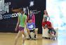 高清:麦蒂出席运动巾代言 与央视美女主持互动