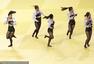 组图:啦啦队助阵柔道赛场 皮裤黑丝袜光脚热舞