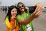 前方图:走近奥运中国志愿者 甜美微笑闪耀里约