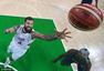 高清图:男篮决赛惨败美国 塞尔维亚队一片死寂