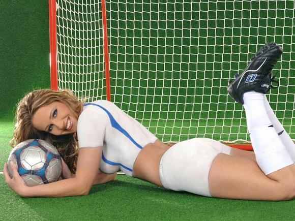 世界杯外国宝贝:巴西嫩模翘臀