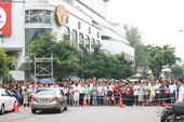 谢霆锋在马来西亚《逆战》片场拼命拍戏(图)