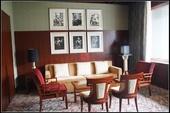 丽晶酒店的整体设计是将现代时尚与古典优雅风格相结合,奢华中不失细腻。看似现代感十足的丽晶酒店,却...