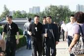 罗京追悼会及遗体告别仪式在6月11日上午8点30分在北京八宝山殡仪馆举行。中央电视台台长焦利到达现场...