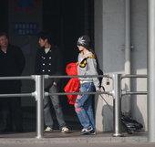 范冰冰辞演返上海 时尚装扮无人注意