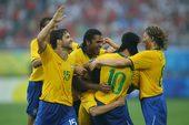 北京时间8月7日,2008奥运会男足比赛小组赛开战。小罗、帕托、迭戈领衔的巴西在沈阳对阵比利时。