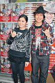 """蔡卓妍(Sa)和林俊杰(JJ)合唱《小酒窝》在""""全球华语歌曲排行榜""""成为四连冠,这首歌放在林俊杰推出..."""