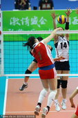 北京时间11月27日 在2010年广州亚运会女子排球冠亚军决赛中,中国女排3-2逆转韩国队夺得冠军。