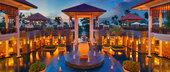 位于海南岛鹿回头湾的三亚悦榕庄是一家全泳池别墅度假村。度假村拥有49座依偎在度假村优美的热带湖滨风景...