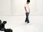 日前,华谊音乐传来消息称,旗下强档艺人陈楚生将发行2010年个人首支环保单曲《绿动》MV。对于这首气...