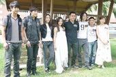 由著名导演彭发执导的新片《索命童话》(前名《完美童话》)日前在泰国举行隆重的拜神仪式。该片自6月25...