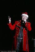 2010年12月25日讯,北京,赵传平安夜北京演唱会24日晚在北京五棵松体育馆举行。整场演唱会从第一...