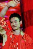 8月23日晚,杨威,王楠等奥运冠军明星团在世贸天阶奥运文化广场聚会。摄影 郝志宾