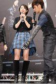 〈2008年12月14日台北讯〉罗志祥正式发行专辑《潮男正传》的小猪罗志祥,今天在西门町举办预购签唱...