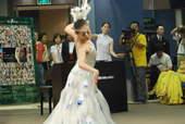 8月4日,中国残疾人艺术团为记者献上精彩的表演。搜狐体育 原生猪/摄