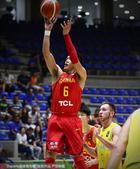 高清图:亚洲杯男篮战澳大利亚 郭艾伦精准投篮